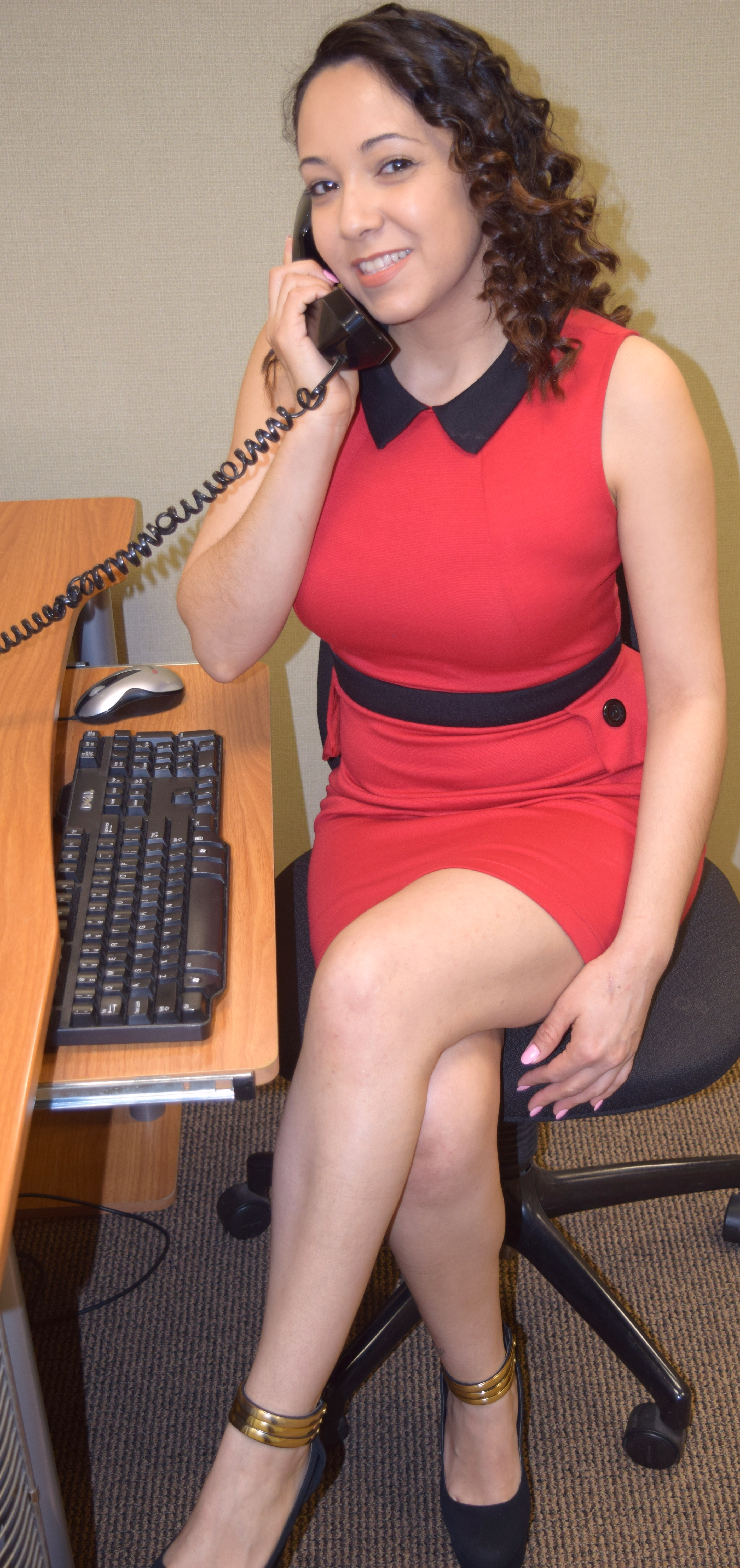 A red dress alice munro the office